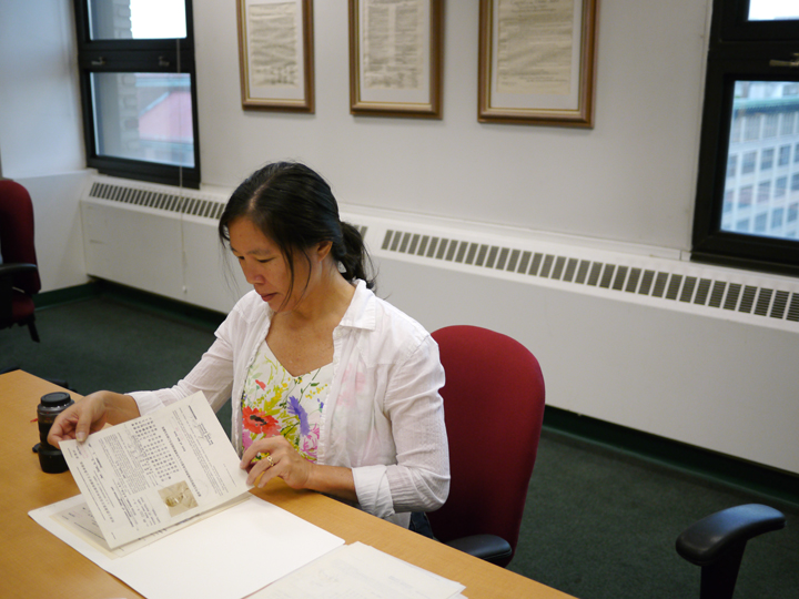 photo of Robin Lung at the NYC office of the National Archives