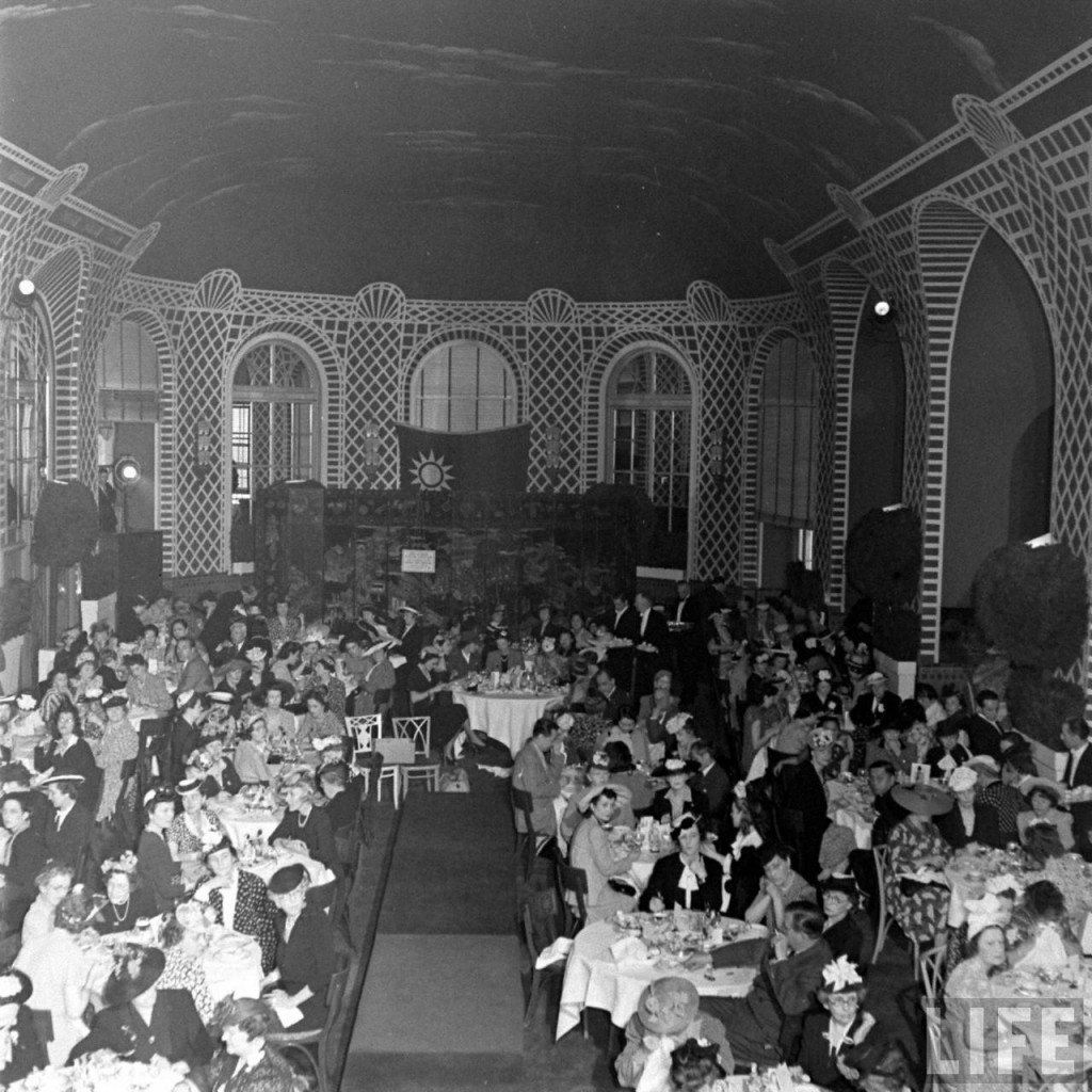 Crowd view of the May 1941 fashion show for United China Relief