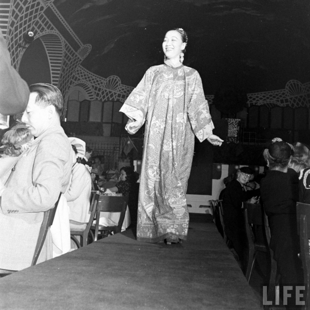 Photo of Li Ling-Ai at May 1941 fashion show for United China Relief